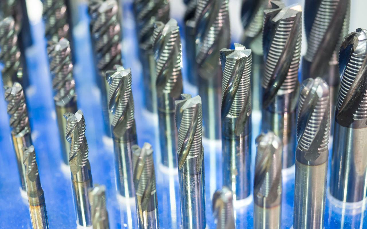 Werkzeugservice und Werkzeugschleiferei für Hersteller